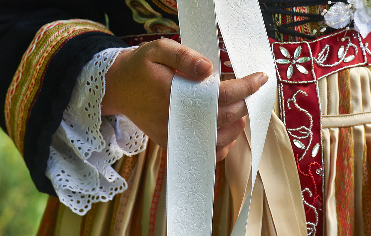 costume de mariée de la Forêt Fouesnant