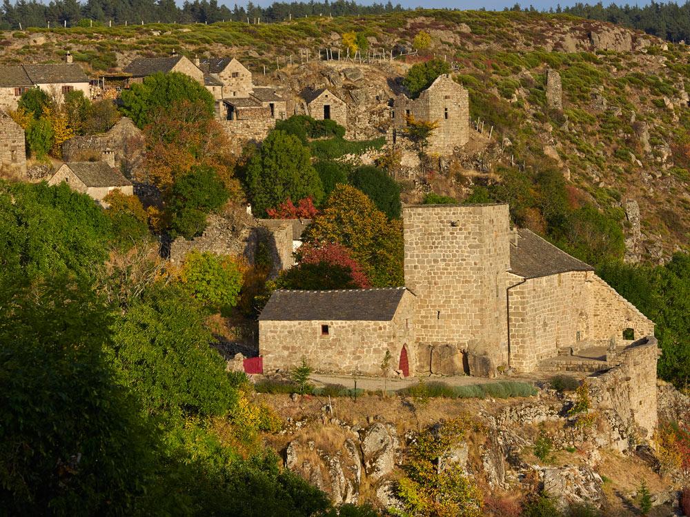 Chateau et village de Grizac , Lozère