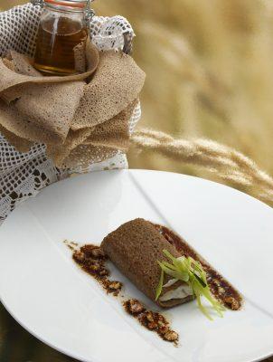 filet de barbue enveloppé d 'une galette de blé noir. Patrice Caillault