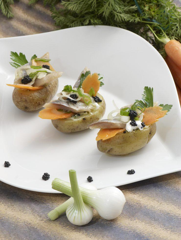 harengs marinés présentés en coque de pommes de terre Patrice Caillault