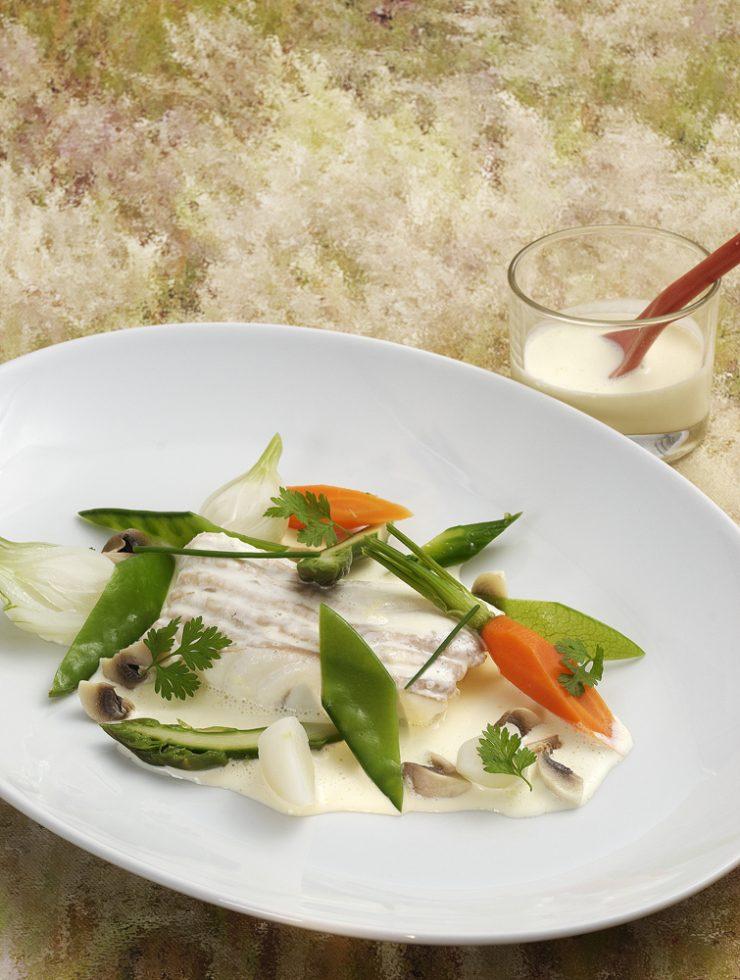 turbot de petit bateau préparé en blanquette,légumes de printemps.Patrice Caillault