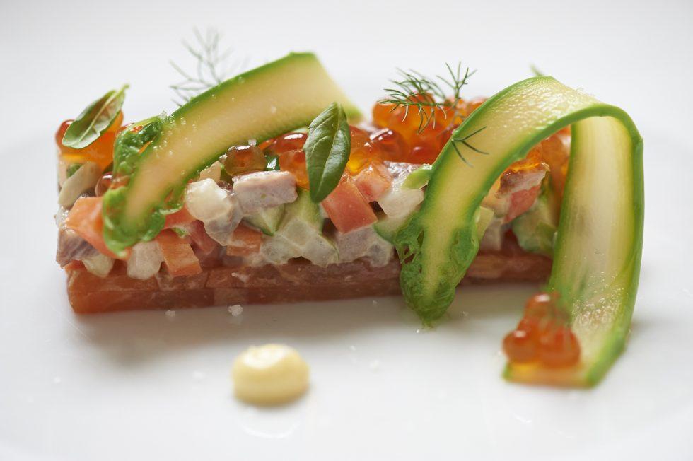Salade Olivier aux dés de poisson,viande de boeuf et caviar rouge , Olivier Bellin
