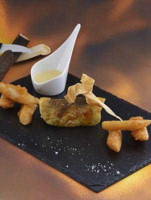 Filet de Mérou au paprika et beurre d'orange, beignet de salsifis Patrice Caillault