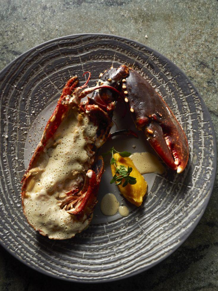 demi homard roti des glénan crème mousseuse de corail , Henri Pellen