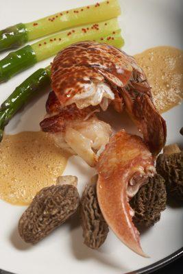 homard demi-coques asperges vertes et morilles , Guy Guilloux